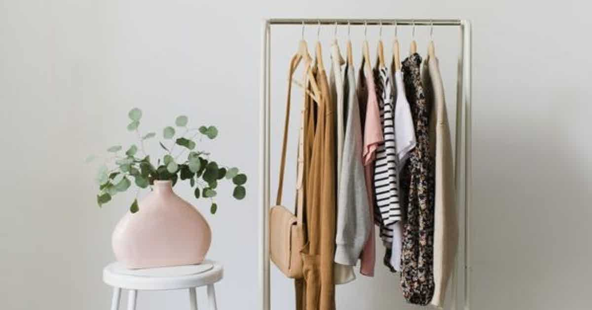 RSL_BLOG_How to build an ethical & sustainable wardrobe (on a budget)-2