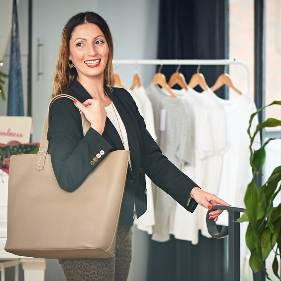 Roberta Lee, London's Sustainable Stylist - holding Ethical Vegan handbag by The Morphbag by GSK,