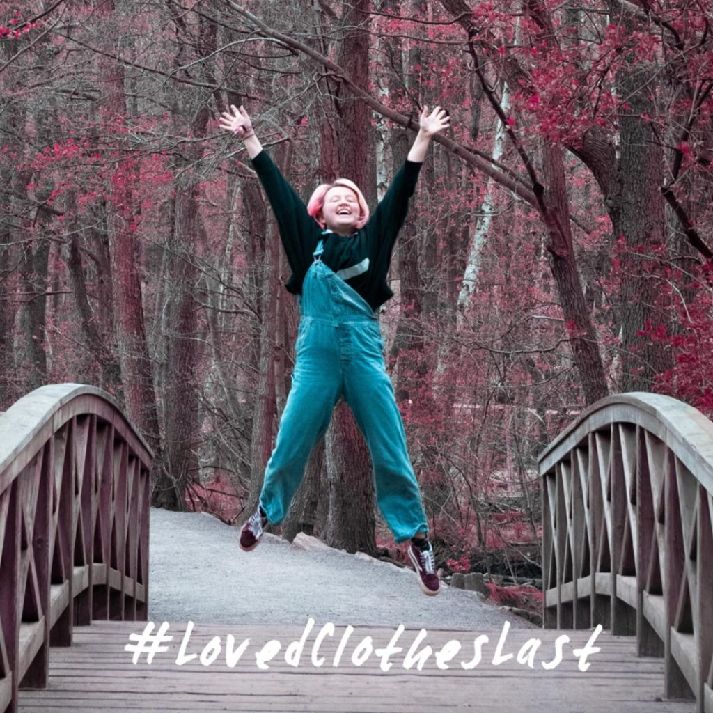 Izzy McLeod | The Quirky Environmentalist | Sharing her Vintage Dungarees Clothing Love Story | Secondhand Fashion