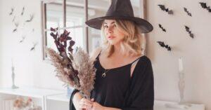 sustainable Halloween costumes - Halloween costume blog cover image
