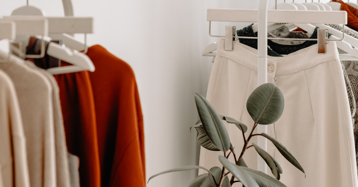 Minimal wardrobe with plants | How to create a sustainable closet | Roberta Style Lee blog