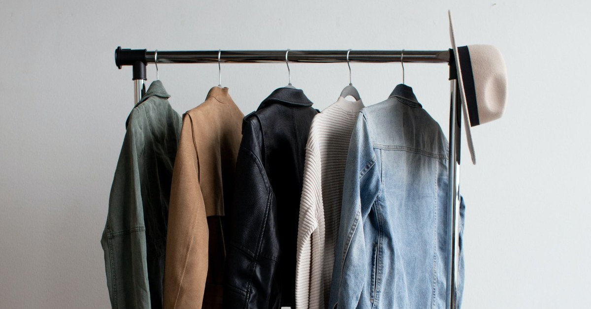 Roberta Style Lee _ BLOG_ Lessons I learnt Building a Sustainable Wardrobe | How to Create a Sustainable Wardrobe | Clothing Rail