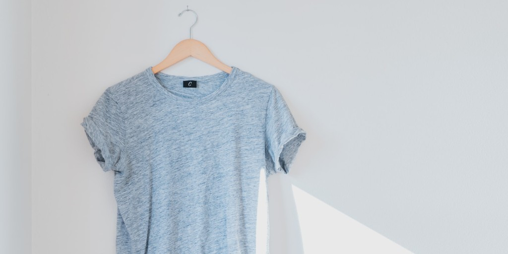Grey Short Sleeve T-Shirt | Wardrobe Staples | Tips for Building An Ethical Closet